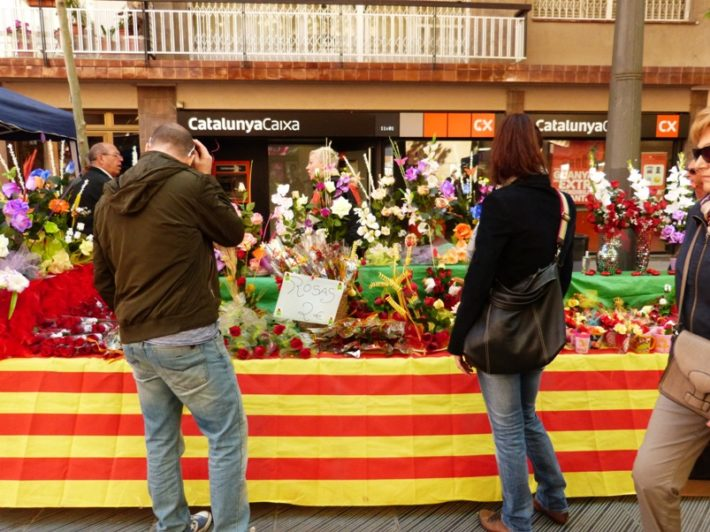 13989123051 b42fdd39bc o e1523366204556 Sant Jordi Day in Barcelona: A Day for Literature and Love