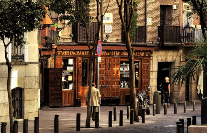 9773082164 d6e57b04f2 b e1538039038344 The Must Spots for Foodies in Madrid