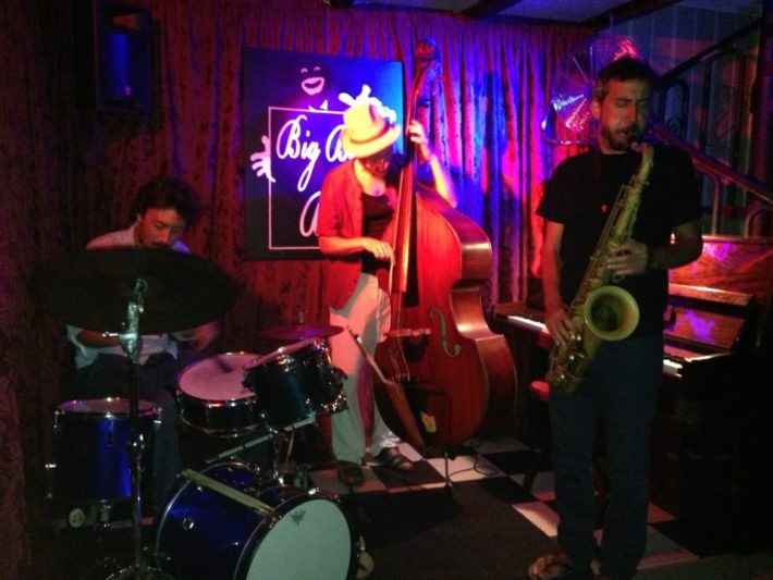 Big Bang Bar Picture courtesy of pinterest e1582892602865 Bars with live Jazz music in Barcelona