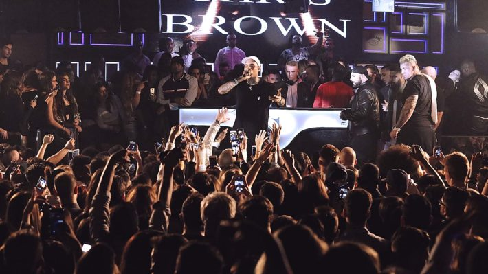 ChrisBrown e1551782097471 The Complete Guide for Nightlife in Barcelona