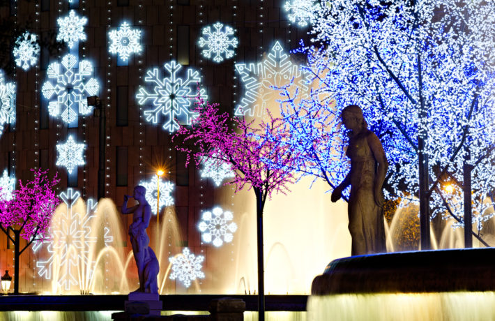 Christmas decorations Barcelona by Matthi Shutterstock e1542708305265 December in Barcelona