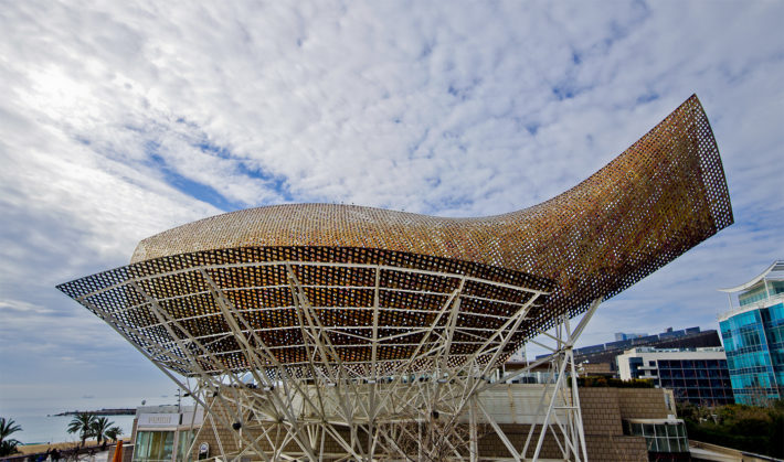 Golden Fish by F. Gehry by SBA 73 Flickr e1530092586372 Barcelonas district: Vila Olímpica
