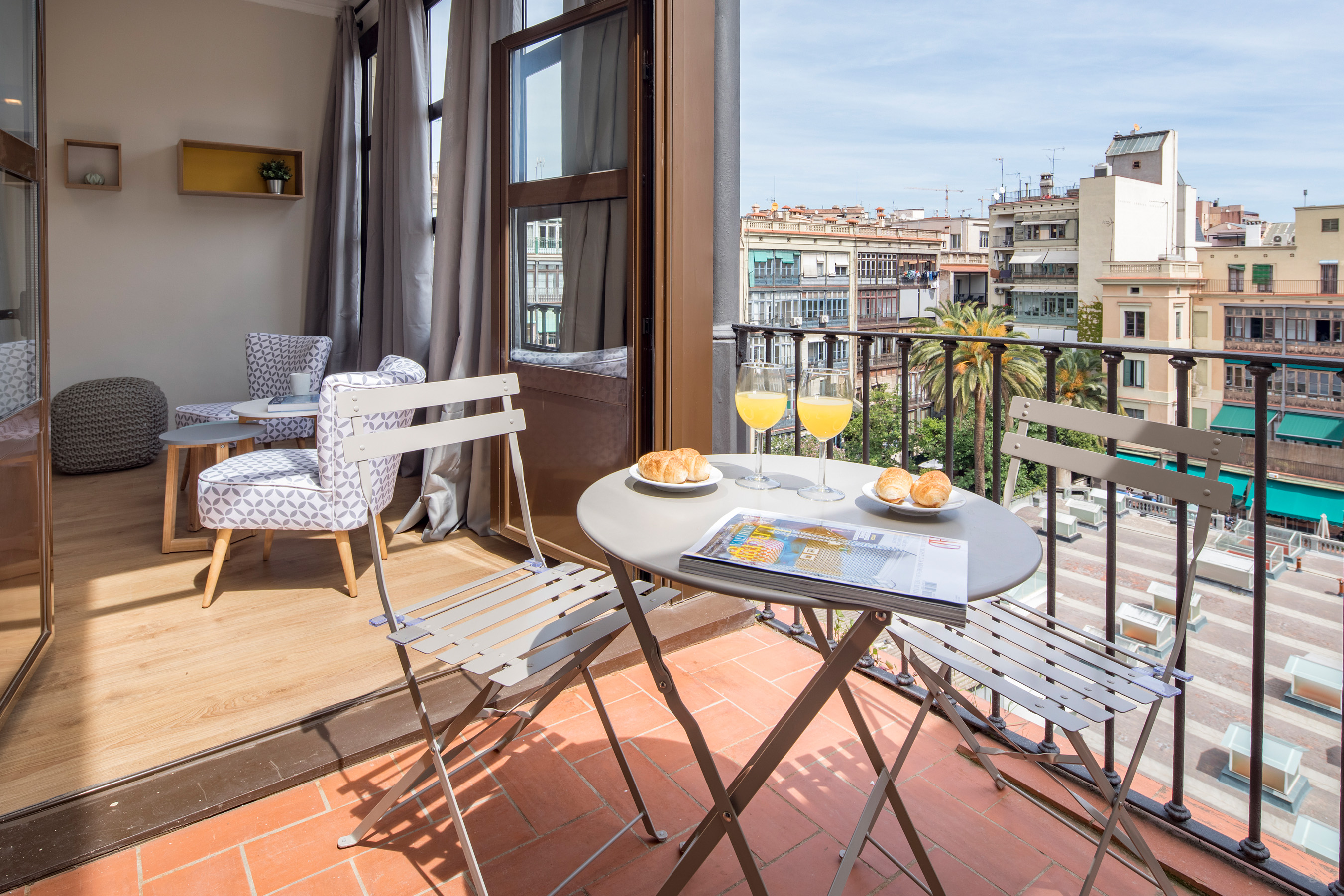 LAURIA 40 ATIC 17 Beautiful Apartments with Terrace in Barcelona