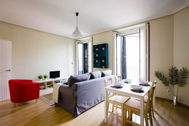 Latina gallery apartment madrid b April in Madrid