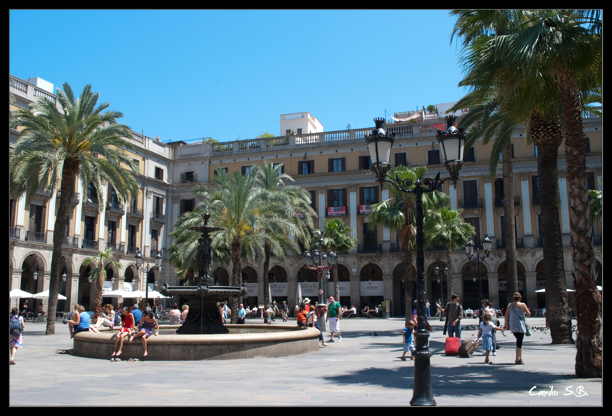Plaza Real Camilo S.B. flickr Barcelonas districts, this month: Gothic quarter