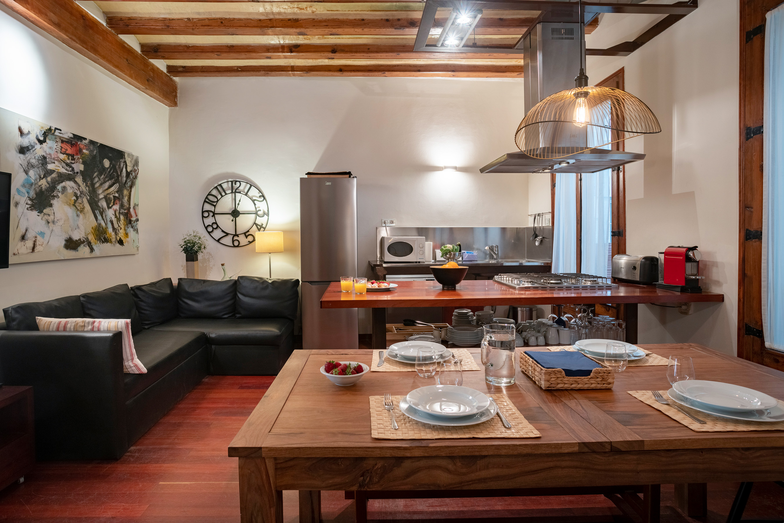 RAURIC 6 1┬║ 20 Featured Apartment of the Month – Ferran Apartment