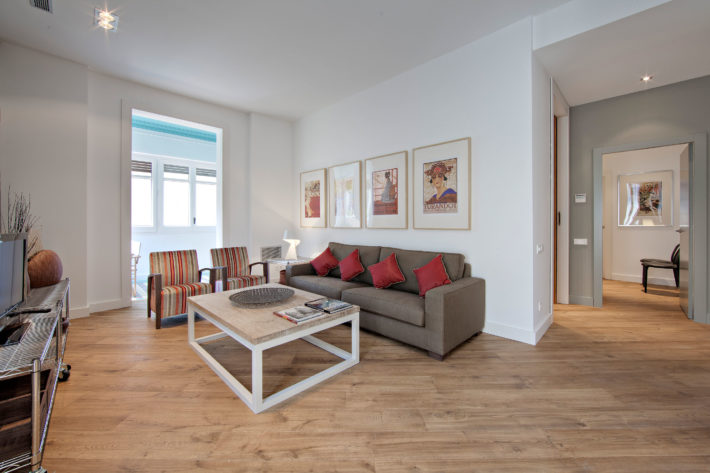 Rambla deluxe A apartment barcelona living room 3 e1566812531539 Featured apartment of the month: Rambla Deluxe A