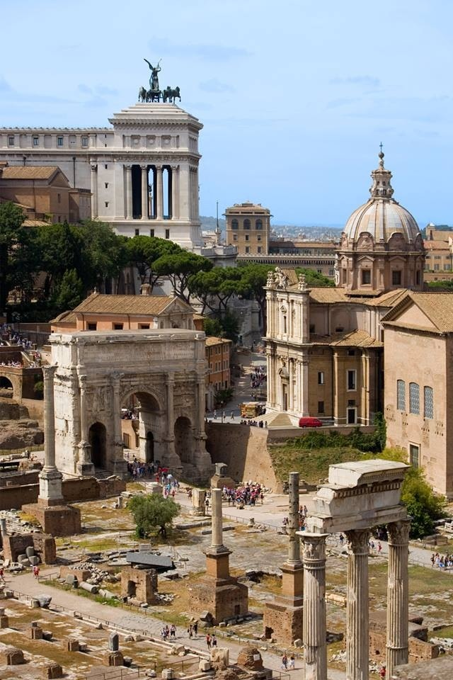 Roman Forum 5 must see attractions in Rome