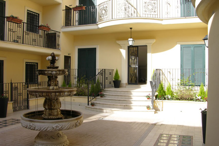 appiano-rome-apartment-courtyard