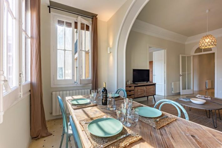 bailen style apartment barcelona living room 31 1 e1556117505798 Featured apartment of April   Balien Cosy