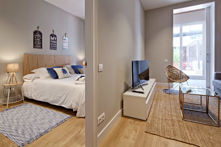 barcelona plaza terrace apartment barcelona living view  e1535972186412 Featured Apartment of the Month – Barcelona Plaza Terrace