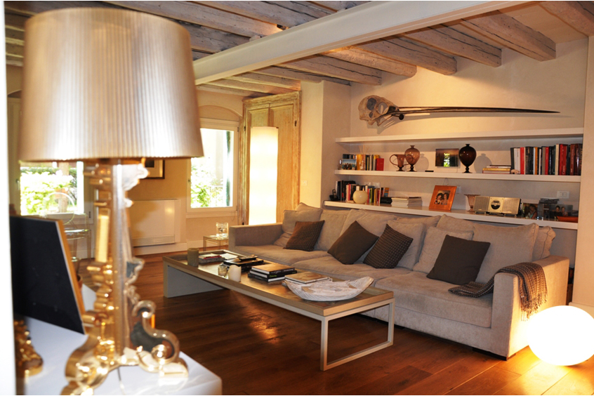 byzantine apartment venice living room 2 April in Venice   Filled with Culture