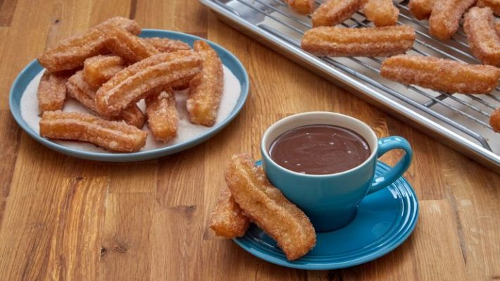 churros e1532686966147 How to Eat Like a Spanish?