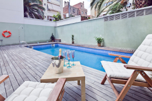 graciaholiday barcelona pool champagneb 300x200 New apartments in Barcelona!!