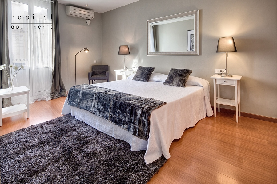 lauria cosy apartment bedroom Lauria Building   stay in a lively area