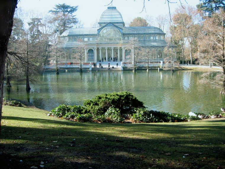 Parque del Retiro. Madrid.  Apartments in Barcelona, Madrid, Amsterdam, Rome...
