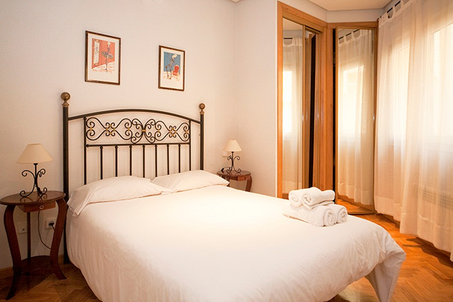 reina central apartment   madrid  bedroom Madrid in December   Christmas time has started