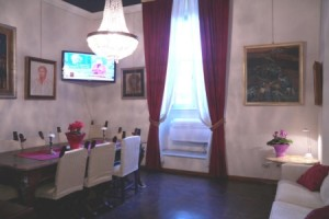 san giovanni apartment rome dining b 300x200 Large Group Holidays in Rome from 26 euros ppn