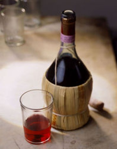 straw bottle chianti in tasting cheap wine Tuscanys specialty   winery tours in Florence
