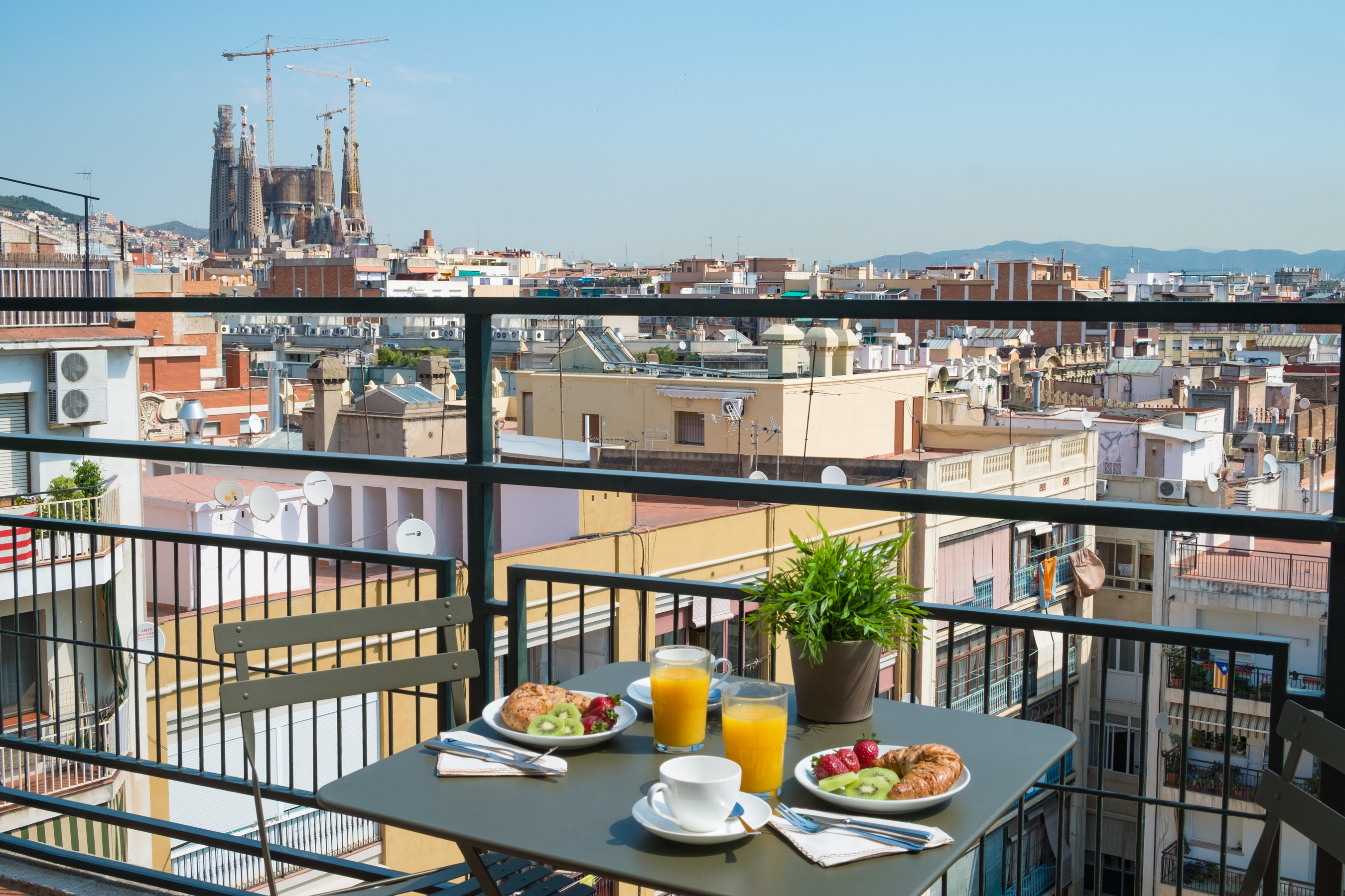 tessa apartment barcelona breakfast balcony Apartments with beautiful views over Barcelona