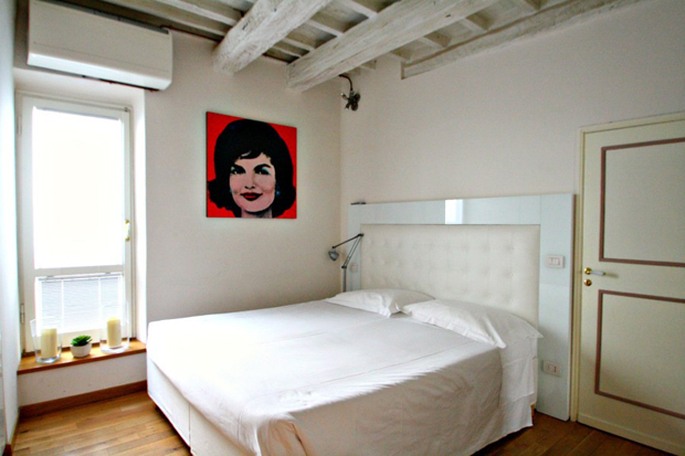 tornabuoni-apartment-florence-double_bedroom