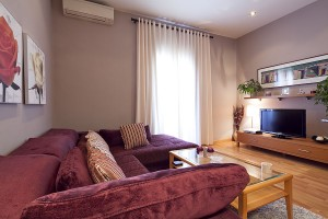 unic apartment barcelona livingroom 300x200 Best monthly apartment reviews: April